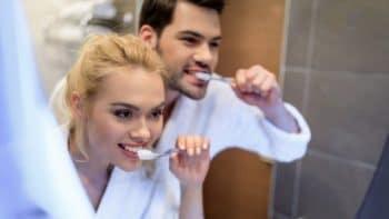 Στοματική υγεία: Μύθοι και κοινά λάθη για τη φροντίδα των δοντιών